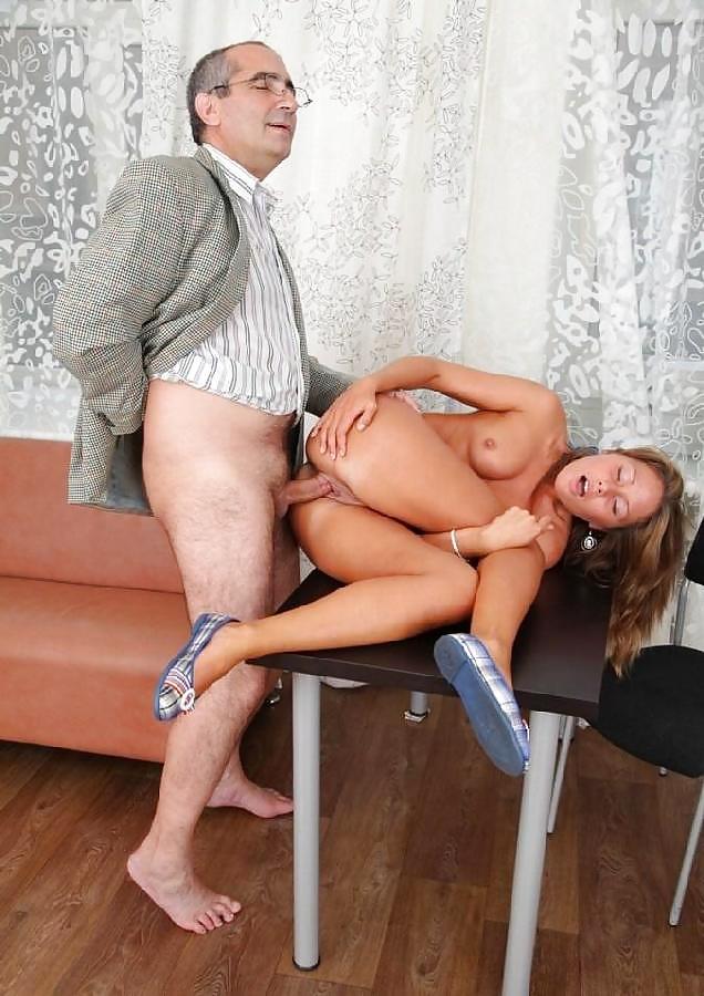 molodomu-sosedu-porno-starik-trahnul-sekretarshu-foto-gimnastok