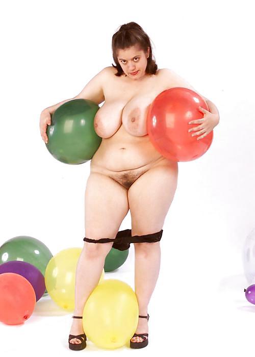 Melissa Rauch Nudes