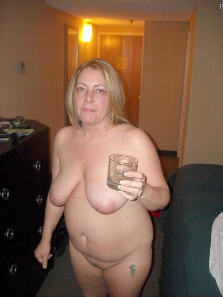 beautiful amateur girls naked