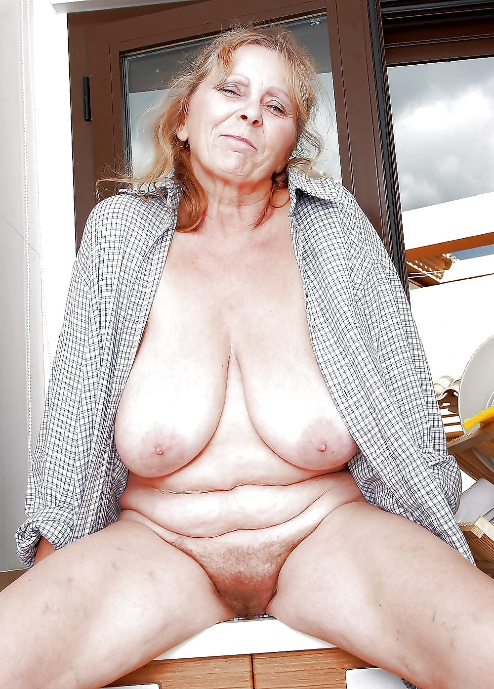 Granny shows off her big, old, tits