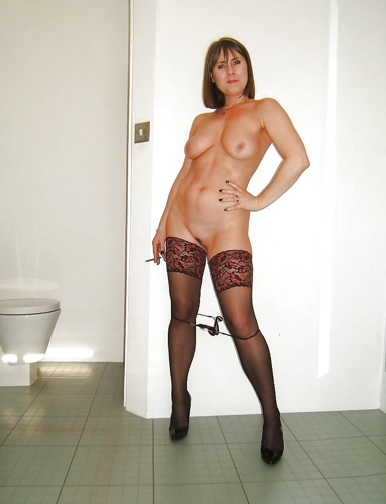 French Mature Tall Nudes