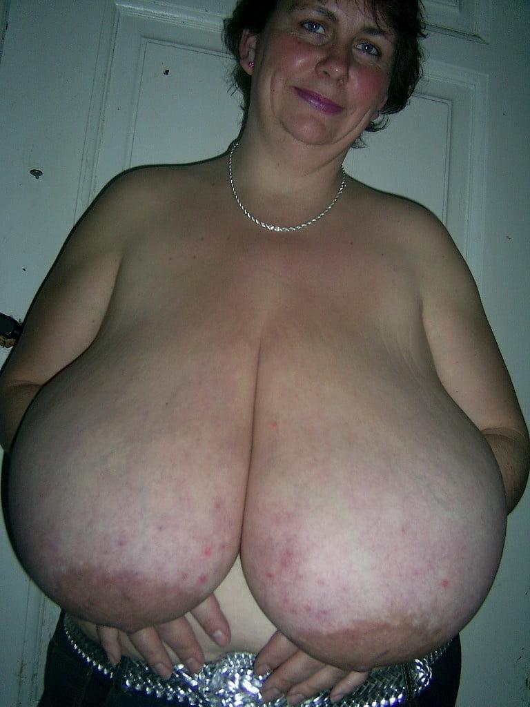 gomez-porn-giant-huge-tits-mature-bbw-fta