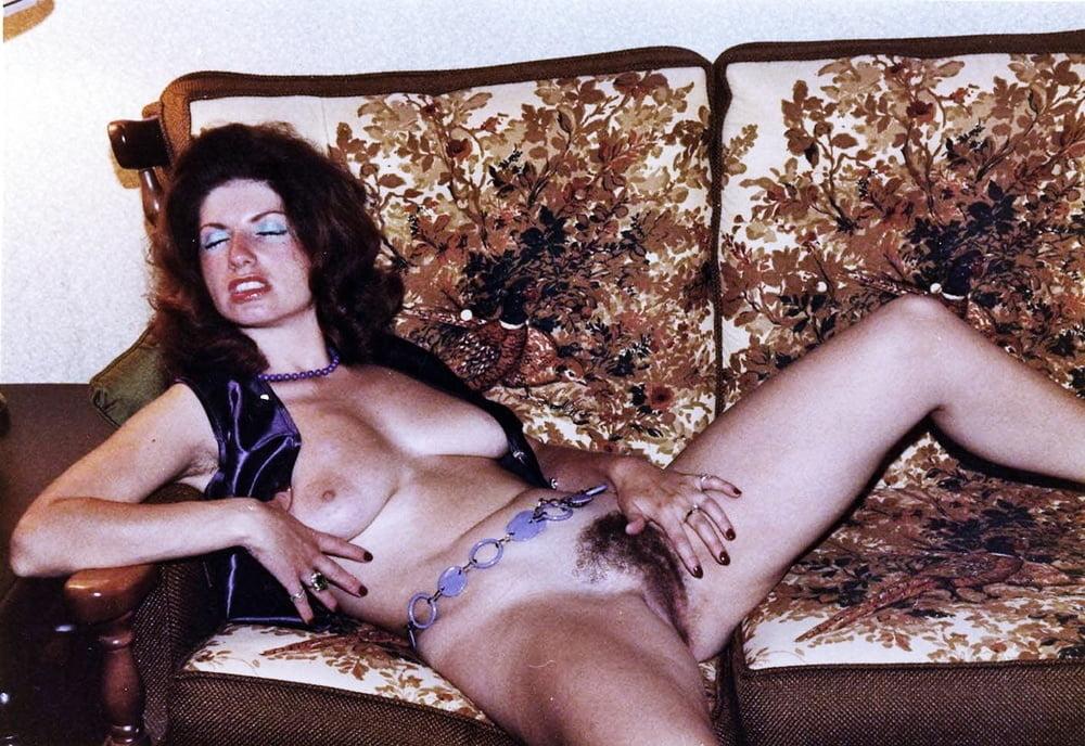 Vintage women private shots - 40 Pics