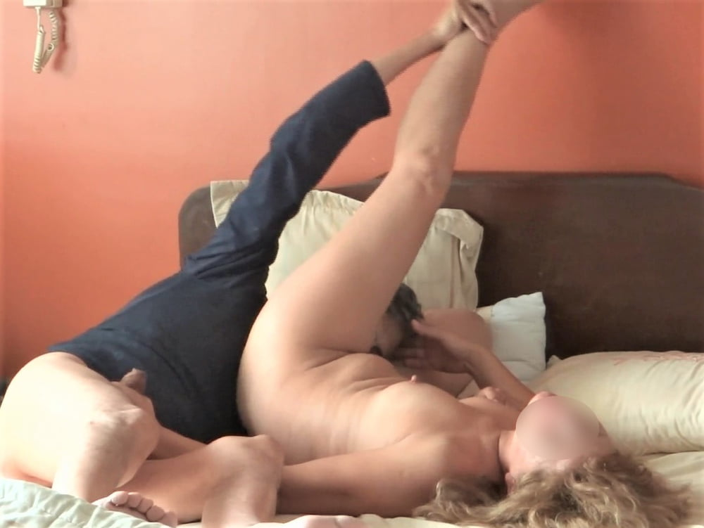 MATURE WIFE AND MOM, HAIRY PUSSY, EXHIBITIONIST