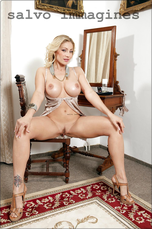 Vittoria Risi Pics - PornPics.com | 1500x1000