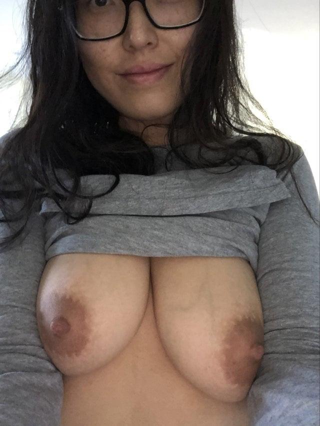 Asian MILF creampie slut - 190 Pics