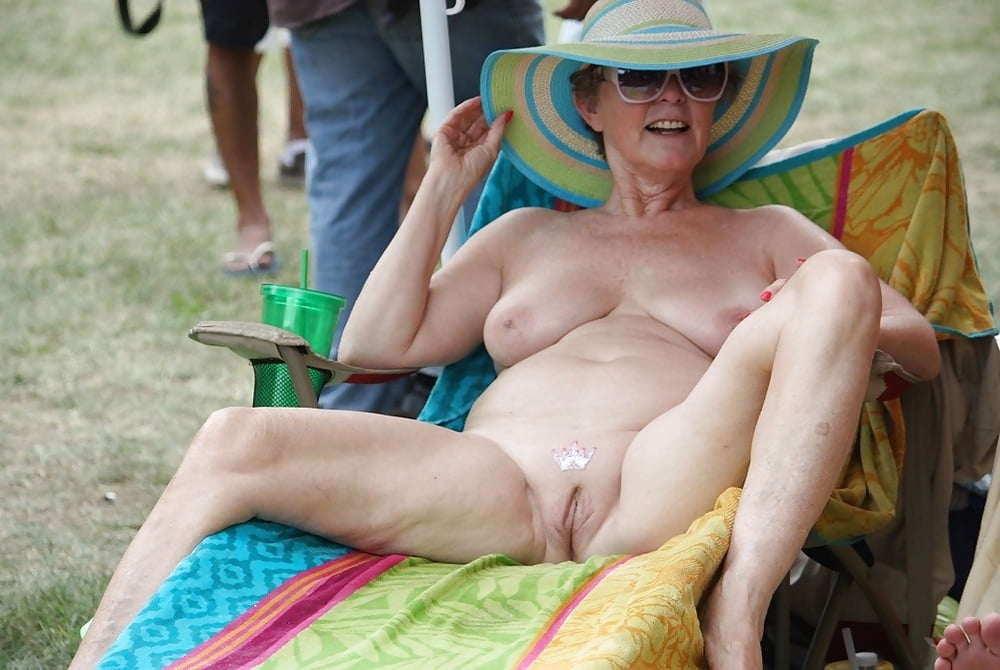 Senior nudists vagina