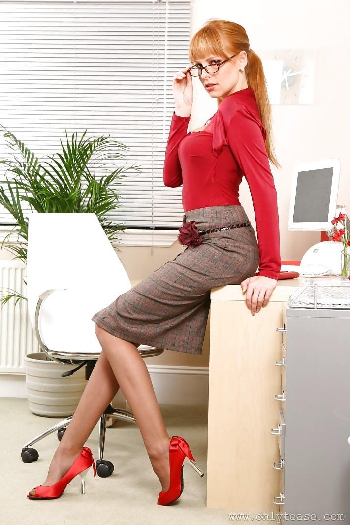 Секс на работе секретарши 13