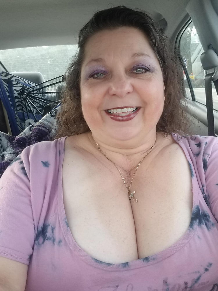 See and Save As granny cleavage porn pict - 4crot.com