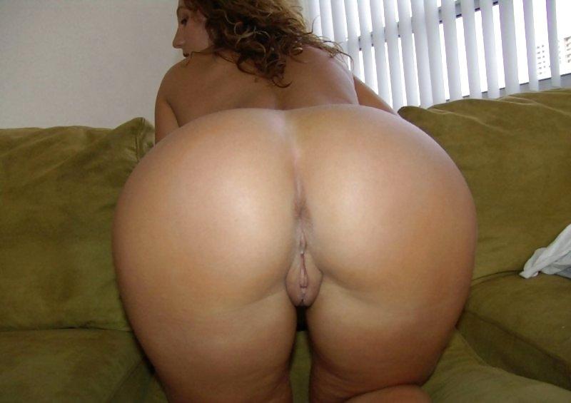 moms-with-the-best-ass-nude-blow-job-priyanka-chopra-nude