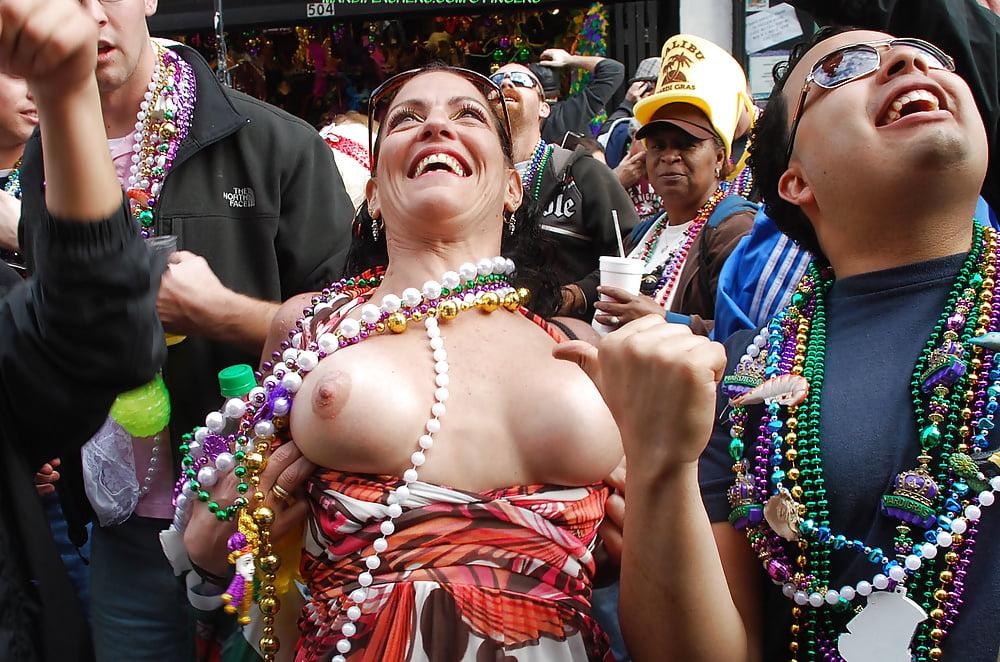 Girls sucking boobs gras mardi xxx hot