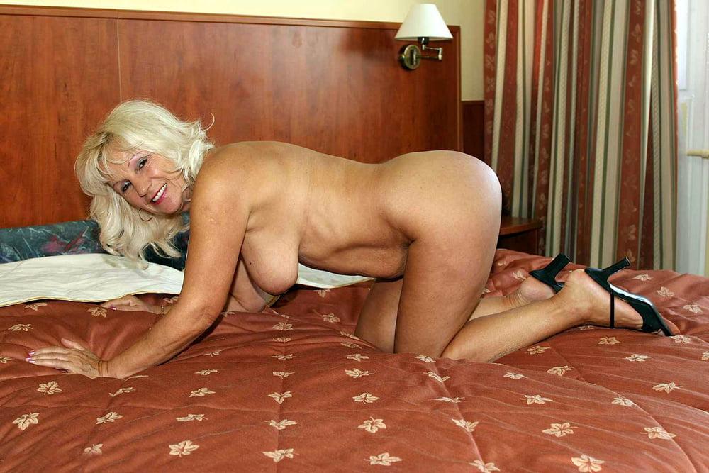 прижавшись маме, старые проститутки индивидуалки питера захотели