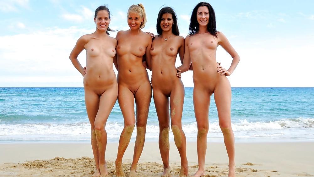 смотреть видео голые девушки на пляже уже знаю