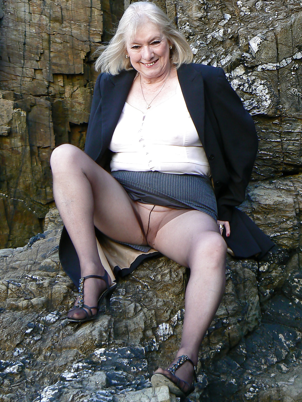 Mature skirt pics and older galleries