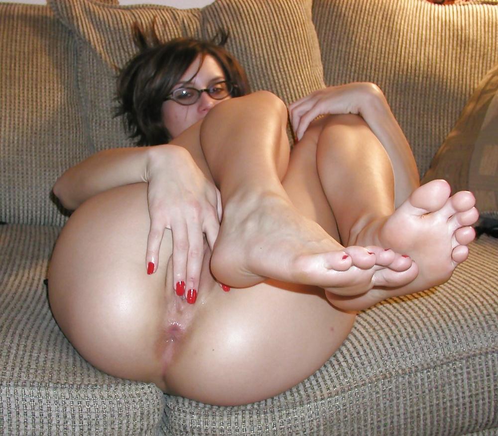 фото голых девушек с растопыренными пальчиками на ногах - 9
