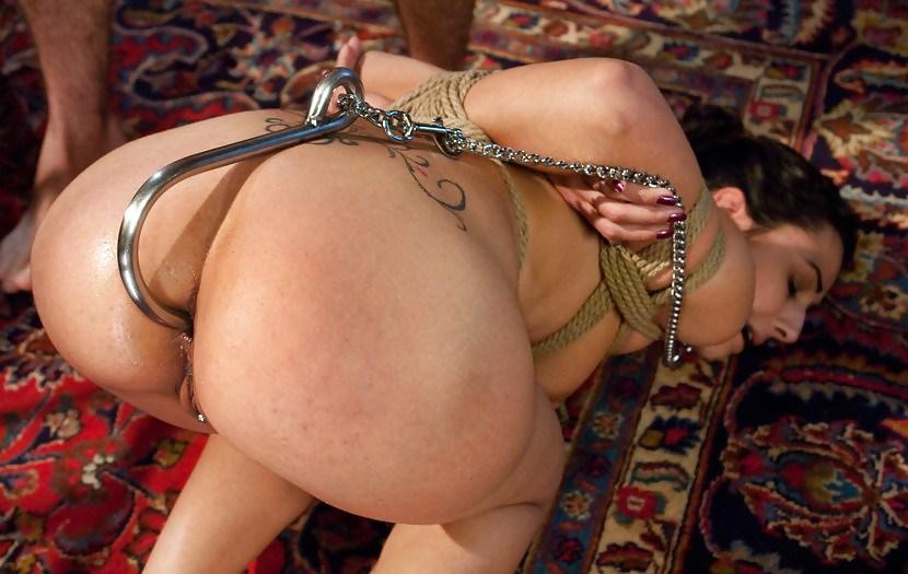 Фото садомаза и анальный секс, шлюшку в тюрьме