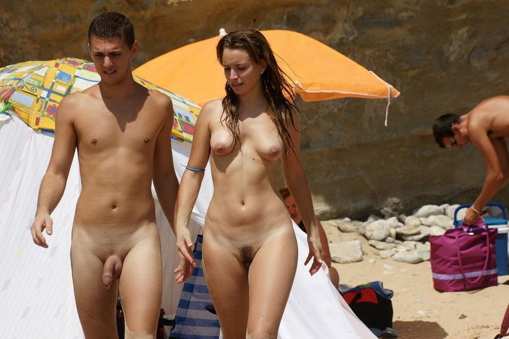 Nudist Couples - 15 Pics
