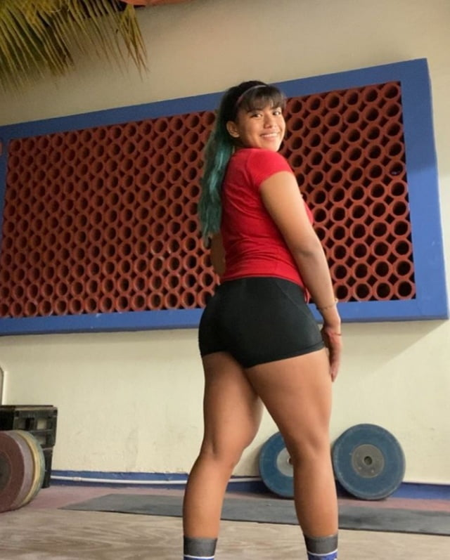 Andrea Bermudez- 10 Pics