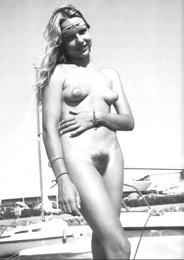 Celebrity Gina Davis Nude Pictures Pics