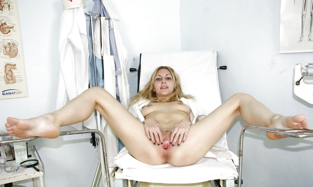 vrachiha-razdvinula-nogi-foto-russkih-aktris-molodih