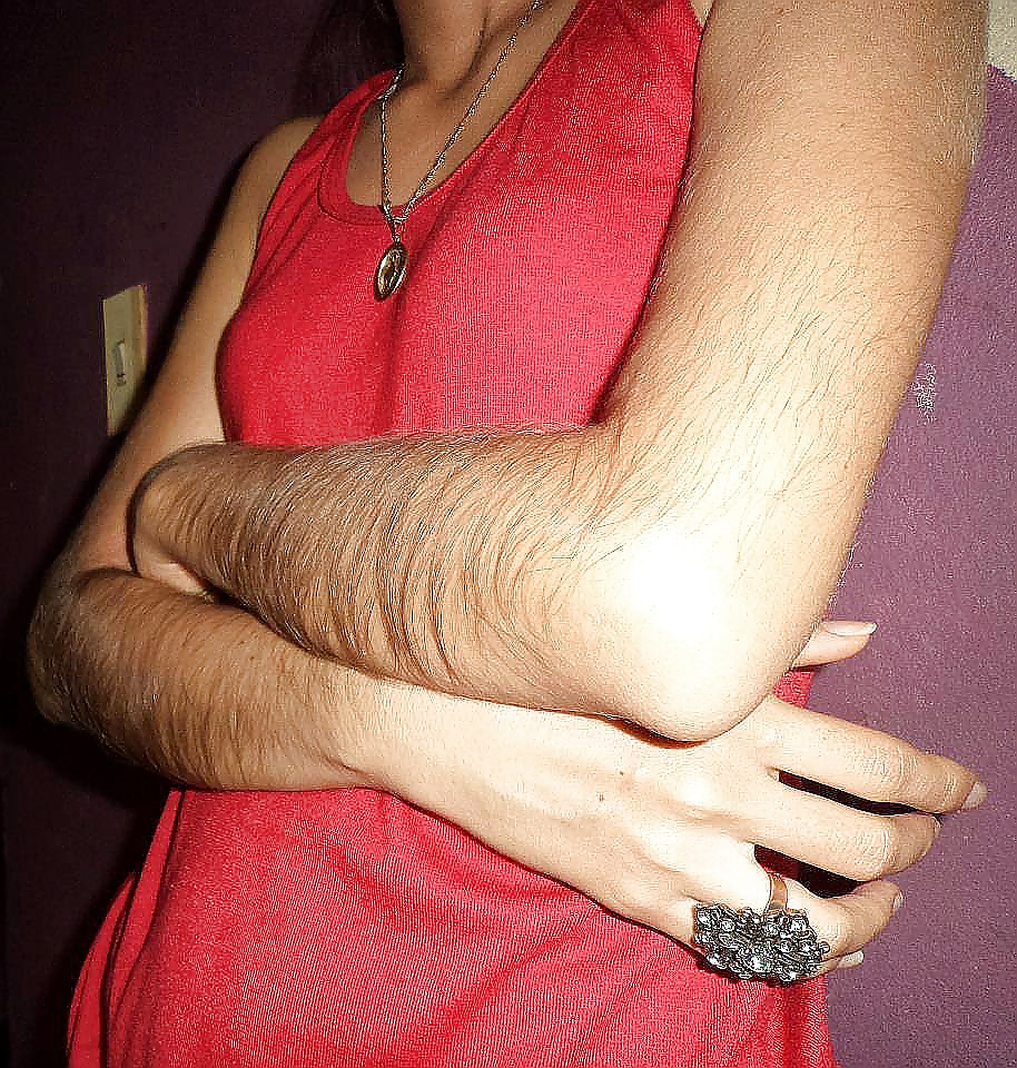 Do girls like guys with hairy arms