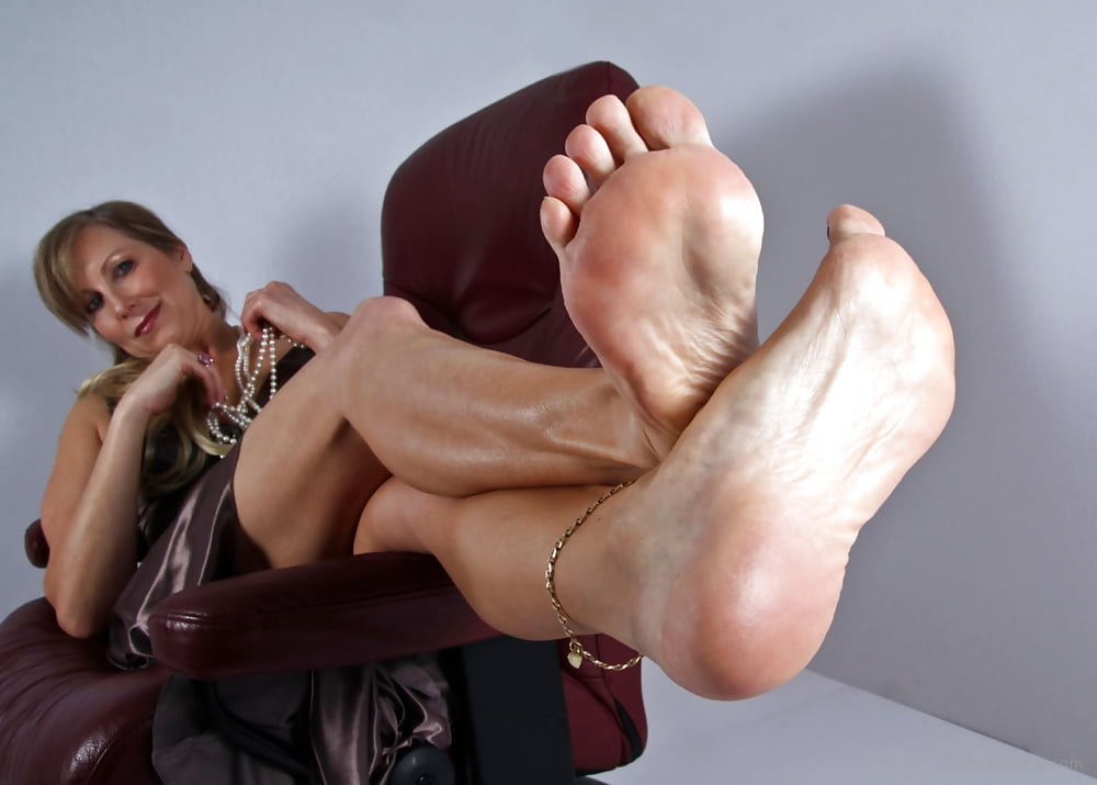 Mature nylon feet sex — 15