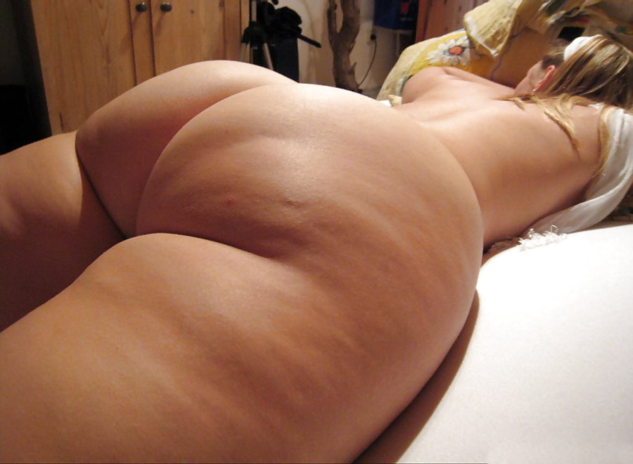 Chubby red arsenic with huge butt just begging to be stretch - 1 7