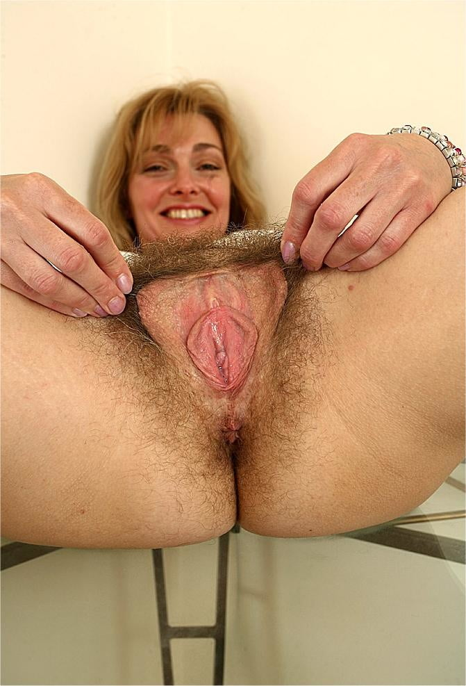 Hairy mature women masturbating-8230