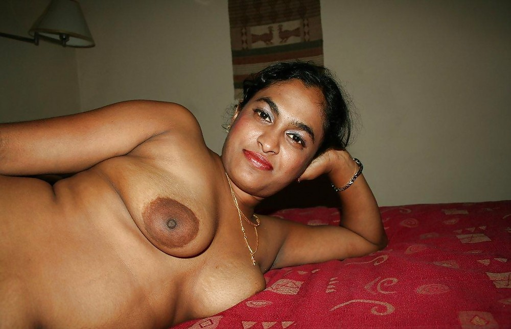 Malayali Kerala Girl Boobs Are Squeezed And Sucked
