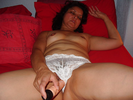 ruby and her dildo