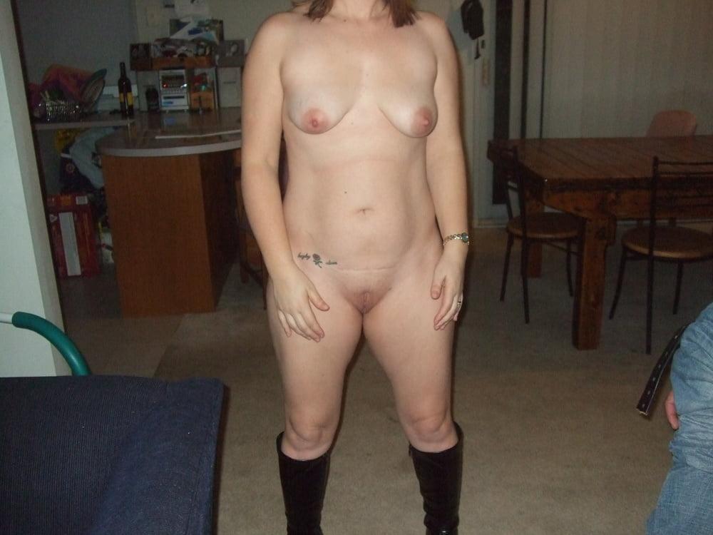 Australian cuck wife LEanne - 14 Pics