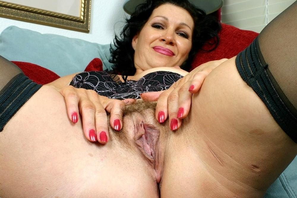 Older vagina porn pics — img 3