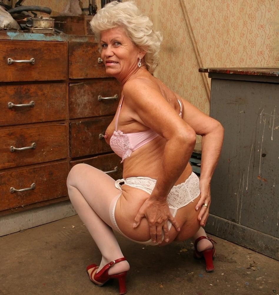 Проститутки старушки сан петербург видео — photo 11