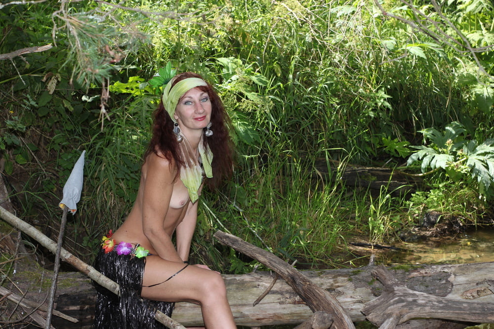 Savage Girl in thickets - 23 Pics