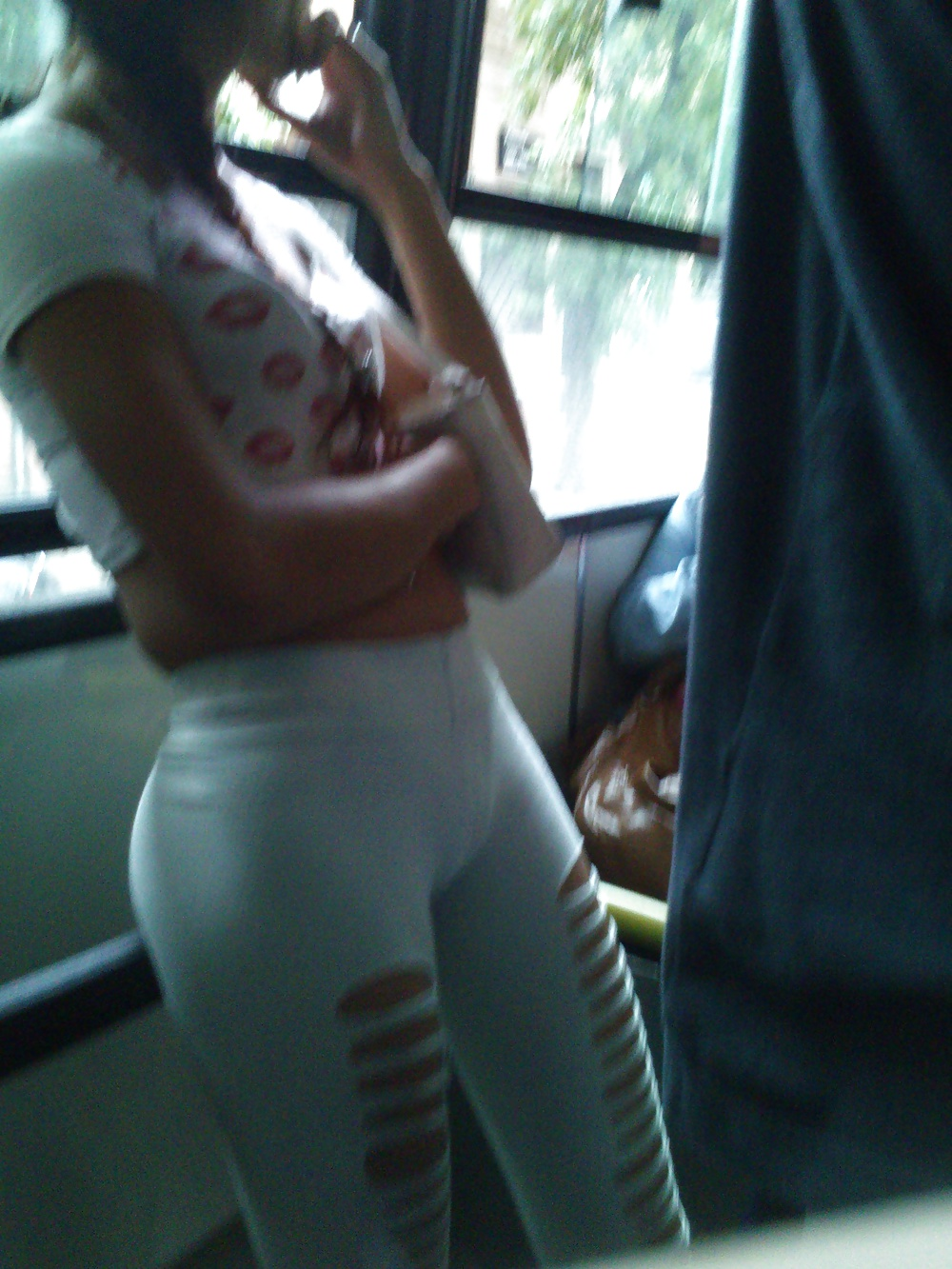 Omg - Huge Cameltoe - Argentinian Teen In The Bus - 18 -7495