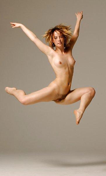 Anna Faris Nsfw Nude Outdoors Wet Bikini Photos