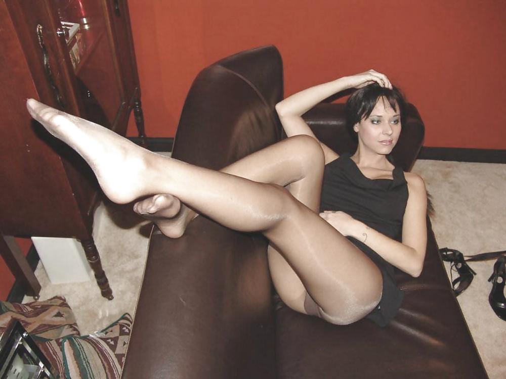 Amateur Wife Elise Teasing In Pantyhose
