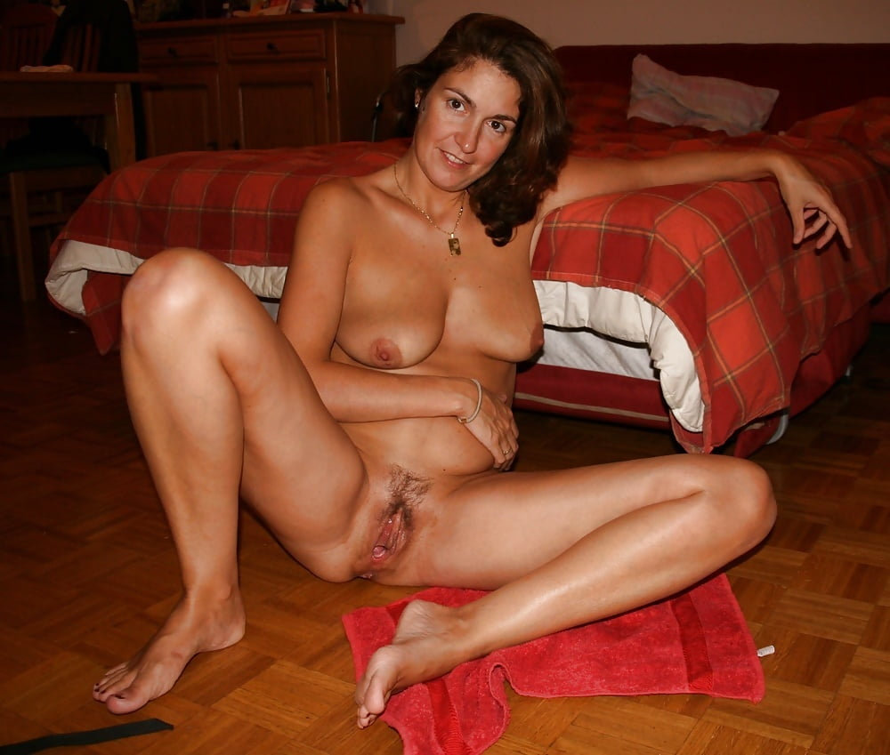 housewives-nude-mature