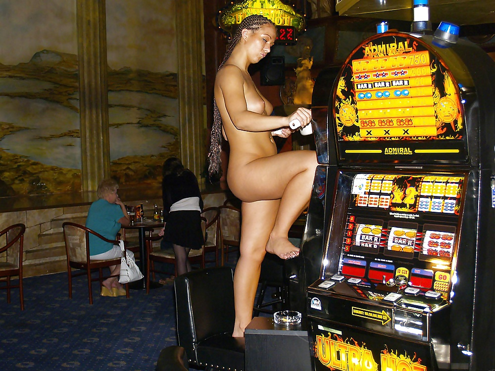 butt-female-nude-at-casino