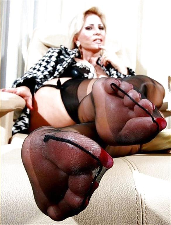 Feet heels mature porn — photo 12