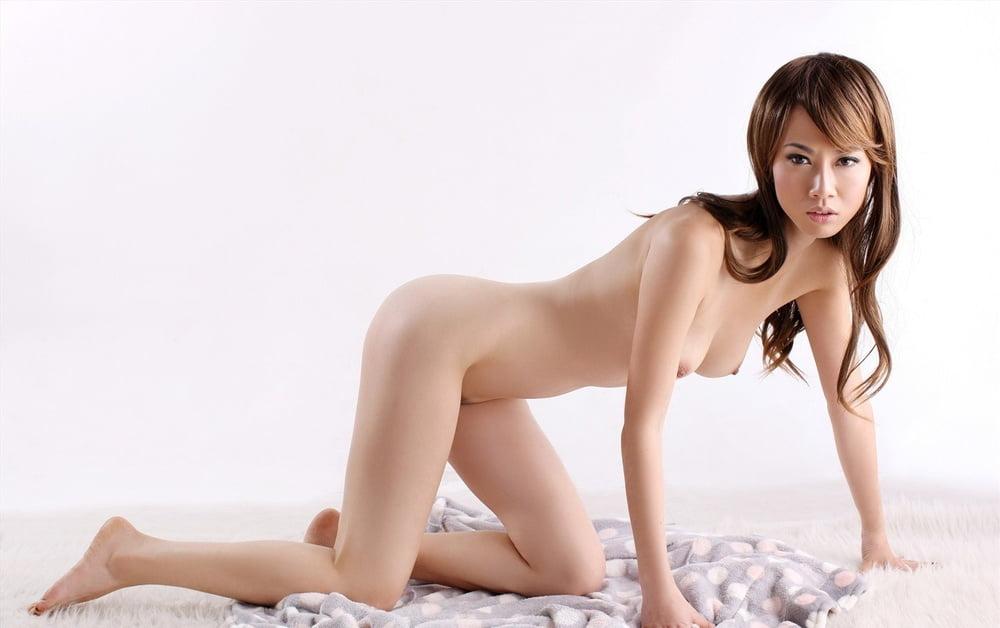 Mainland Chinese Woman Get Gangbanged