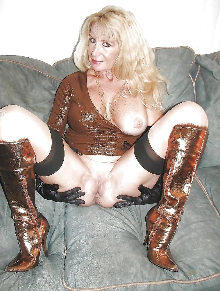 Horny mature women xxx-9062