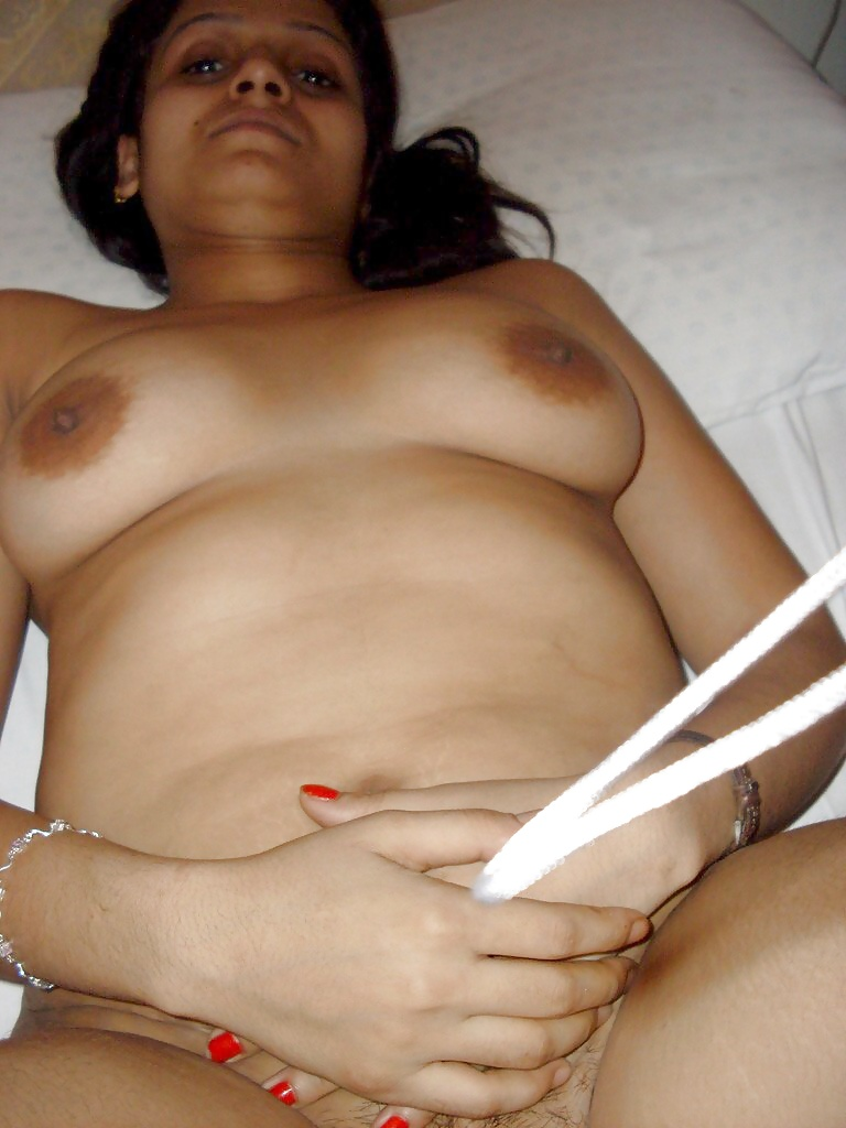 Enjoy independent escort parineeta outcall dating services bangalore
