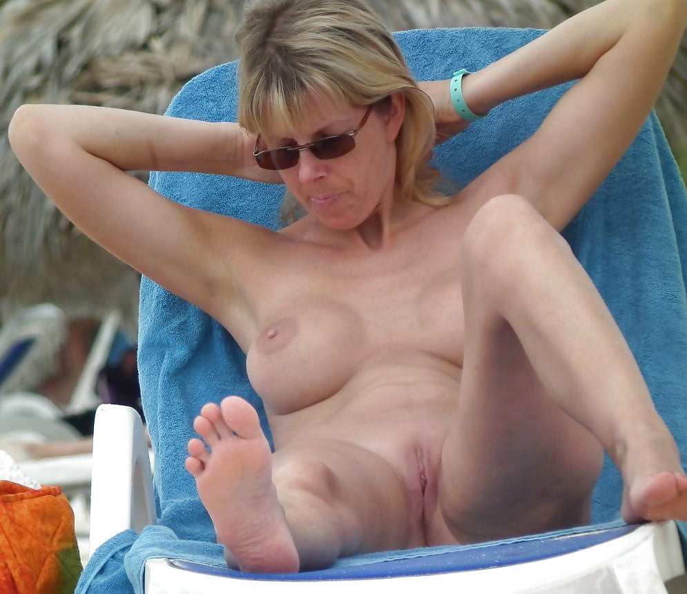 Hot mom sex, nude mature pussy, free milf moms porn pics
