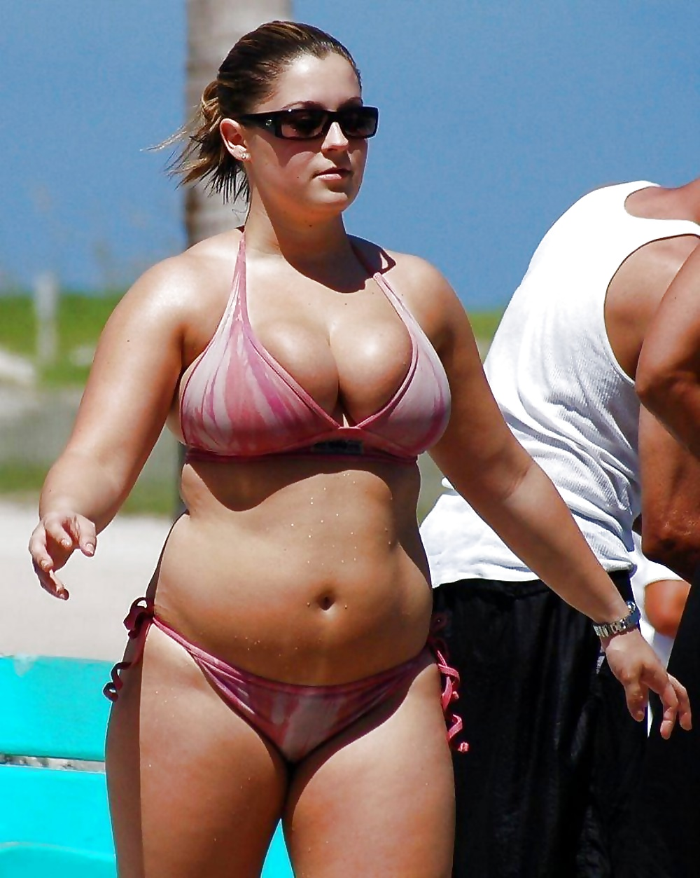 sexy-bikini-chubby-women