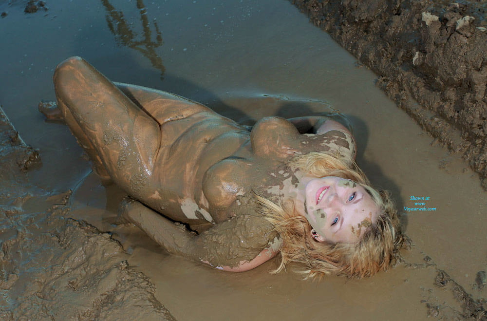 Euro Babes Roll In The Mud