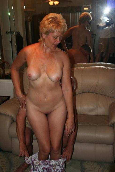 Sexy mature wife pictures-9704