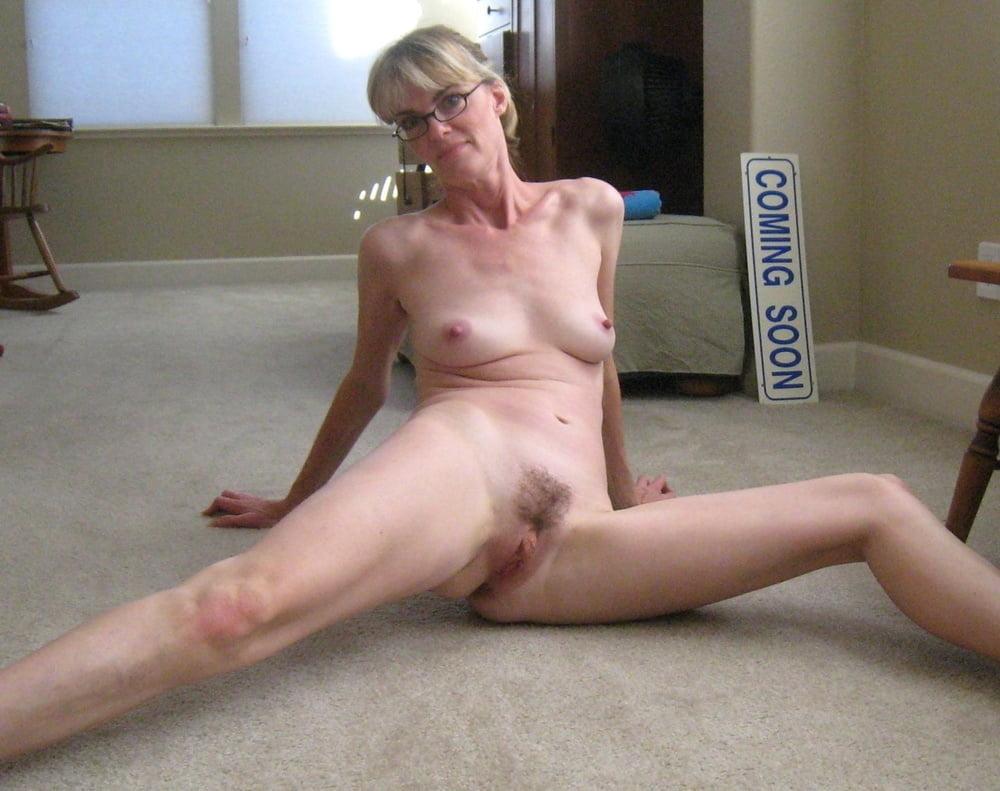 Thin naked old women — photo 13
