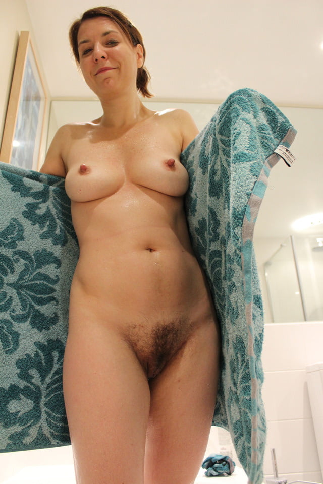 Natural hairy naked wife, show me your pussy gallery