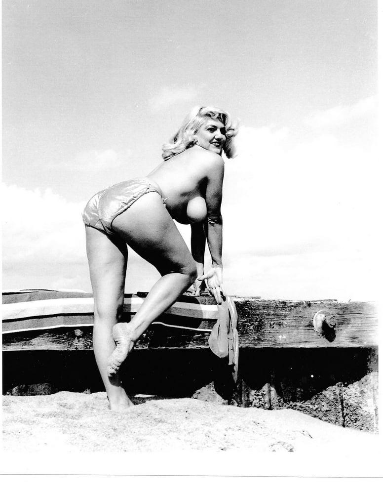 Gina holden free nude celeb pics